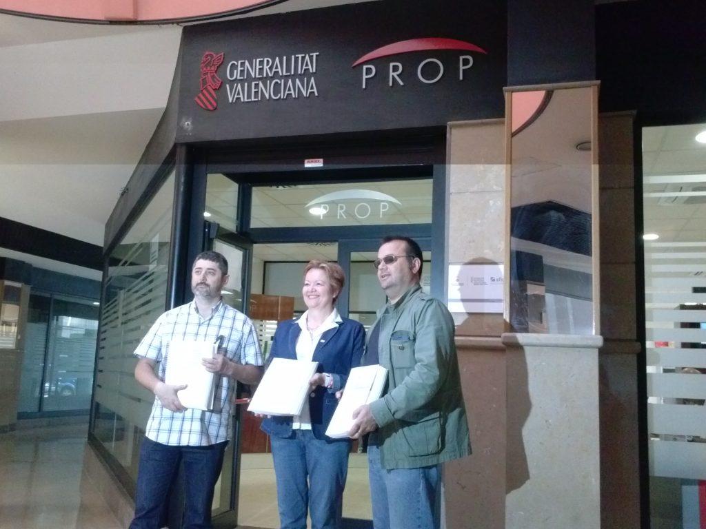 Manuel González (Portavoz IP), Pilar Berná (Presidenta de IP) y Juan Guillén (Directiva IP)