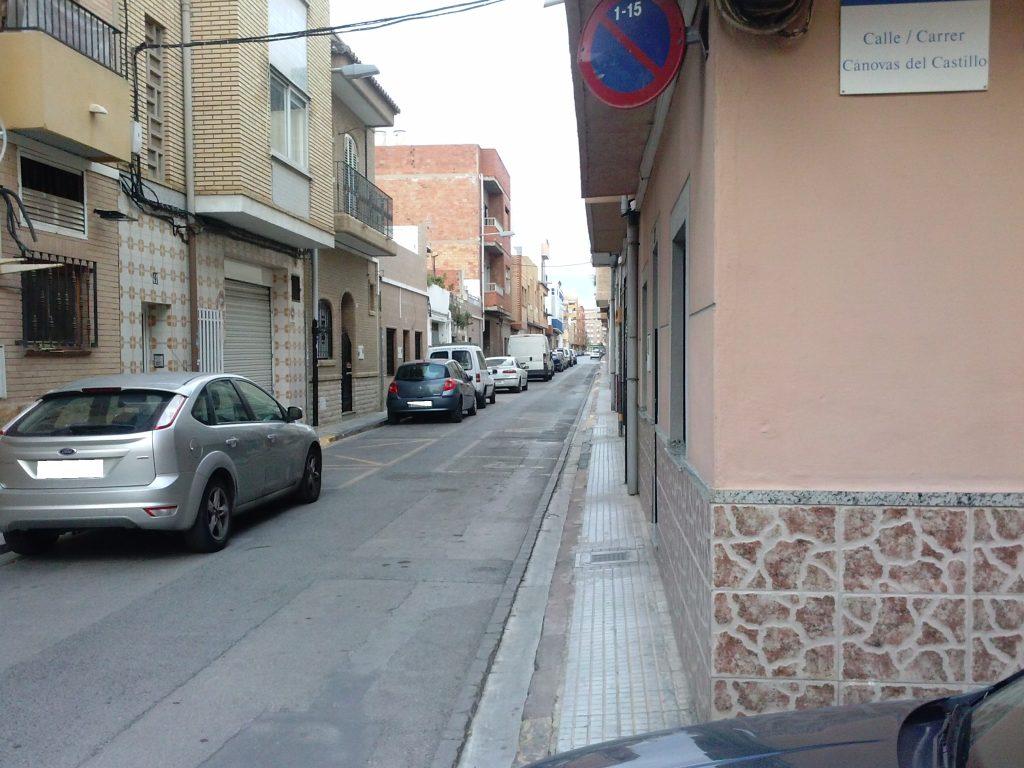 Vista de la calle Buenavista que requiere una actuación